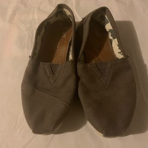 Toms Shoes - 2for1 TOMS!